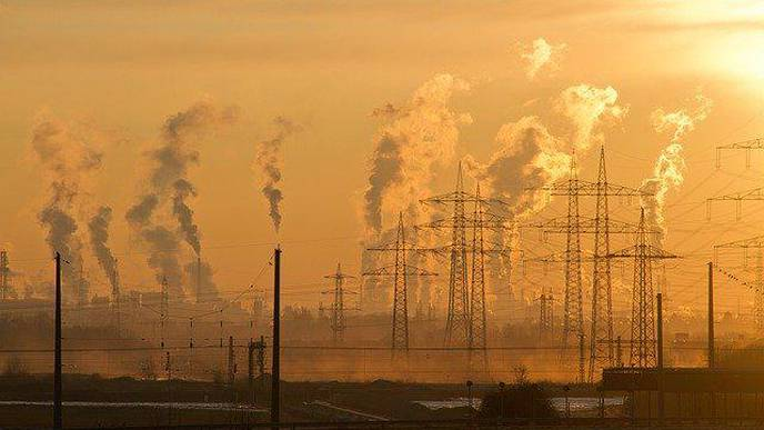 Does Long-Term Exposure to Air Pollution Lead to a Steeper Rate of Cognitive Decline?