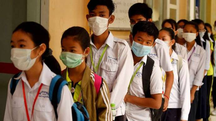 Fig Leaf or First Defense? Deploying Flimsy Masks Against Virus