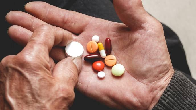 Safe & Efficient Tool to Reduce Seniors' Medication Overload