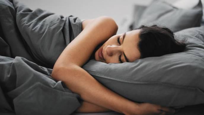 Optimistic People Sleep Better, Longer, Study Finds