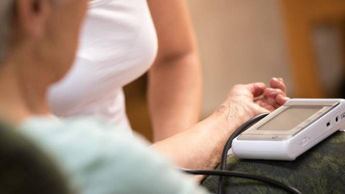 Dropping Blood Pressure May Predict Frailty, Falls in Older People