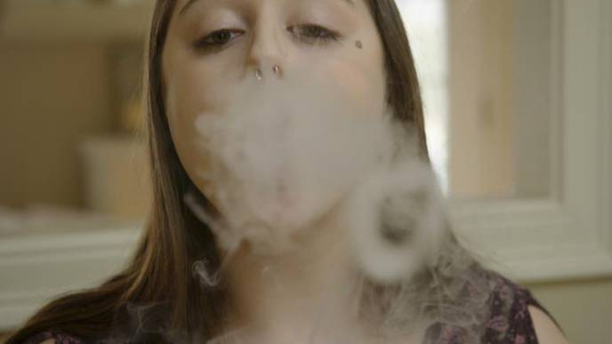 1 in 3 Teens Breathe Secondhand E-Cigarette Vapors, New Research Says