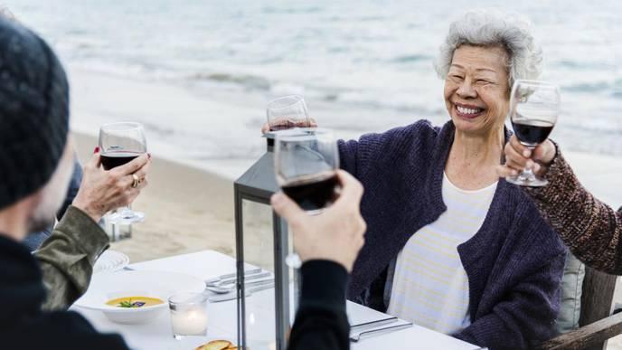 More Than 1 in 10 U.S. Elderly Are Binge Drinkers