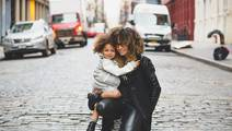Single Mothers Spend More on Children's Health in Hard Times