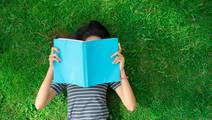 Dry Eye Syndrome Slows Reading Rate, Study Suggests
