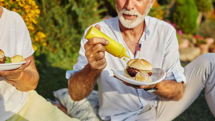 Unhealthy Diet Linked to Age-Related Macular Degeneration (AMD)