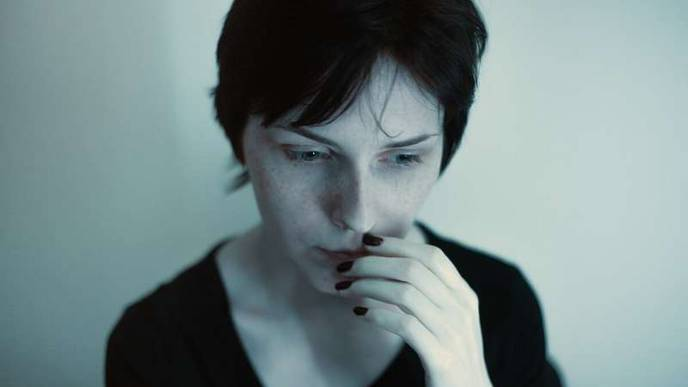Study Finds Presence of Another Person Diminishes Fear Responses in Women