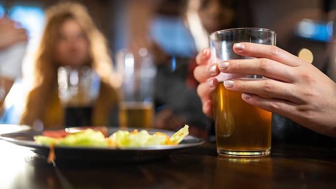 Binge Drinking May Be More Damaging to Women