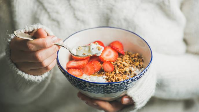 More Fruit & Cereal Fiber Tied to Less Risk of Common Bowel Disease