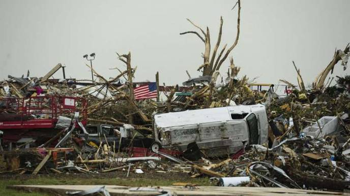 When Natural Disasters Strike, Men & Women Respond Differently