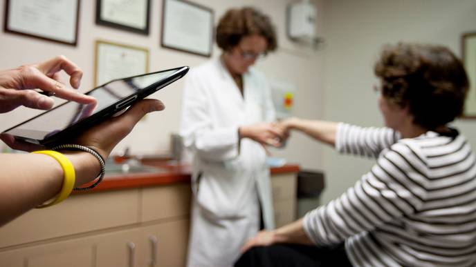 Apple Aims to Get an iPad in the Hands of every HospitalPatient