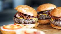 Eating Burgers 3 Times a Week Raises Risk of Asthma